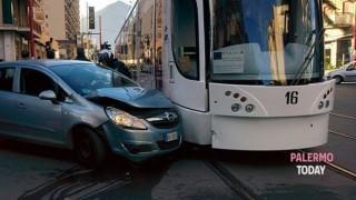 incidente tram via pacinotti 2-2